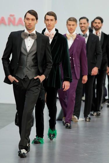Más que un traje: estas son las tendencias top para los novios de la Bridal Fashion Week de Barcelona