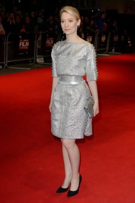 Mia Wasikowska Look