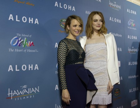 Estilazo en la alfombra roja: Emma Stone y Rachel McAdams nos dan una lección de estilo