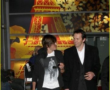 Zac Efron de promoción en Paris