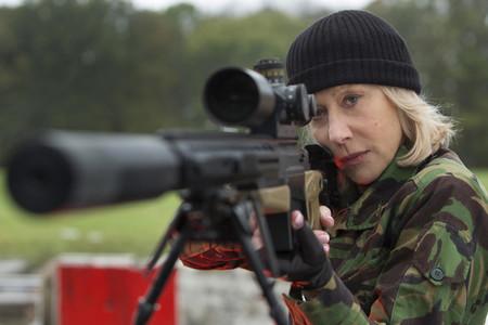 """""""Son artistas"""". Helen Mirren defiende que haya un Oscar para los especialistas en escenas de riesgo"""