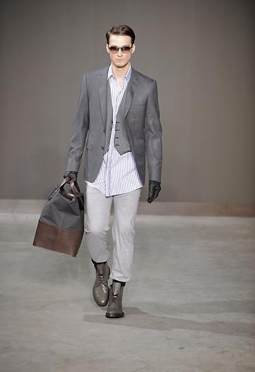 Foto de Louis Vuitton, Otoño-Invierno 2010/2011 en la Semana de la Moda de París (13/13)
