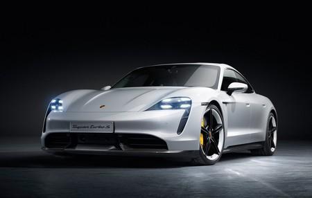 El Porsche Taycan ya está aquí: coche eléctrico de 450 km de autonomía, hasta 260 km/h y carga del 80% de batería en 15 minutos