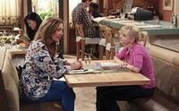 [Actualizado] CBS concede tercera temporada a 'Mom', sexta a 'Mike & Molly' y quinta a '2 Broke Girls'
