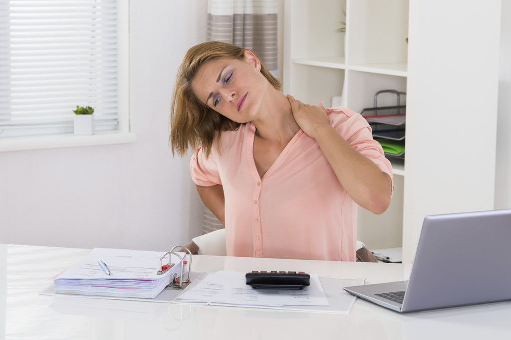 Estos son los ejercicios más adecuados para aliviar el dolor de espalda durante estos días con menos actividad, según un reciente estudio