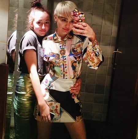 """Los """"consejos"""" de Miley Cyrus no cuentan si hablamos de su hermana pequeña"""