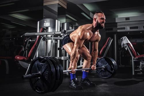 Cinco ejercicios compuestos para un entrenamiento rápido y efectivo en poco tiempo