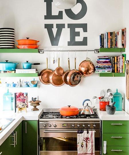 Cocinas llenas de color, atrévete con alguna de estas nueve propuestas cromáticas