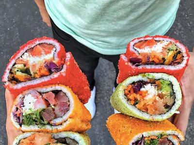 TrendInFood: burritos de sushi cubiertos de Cheetos molidos
