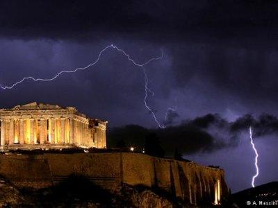 Fracaso total de la UE: Grecia se cae a pedazos