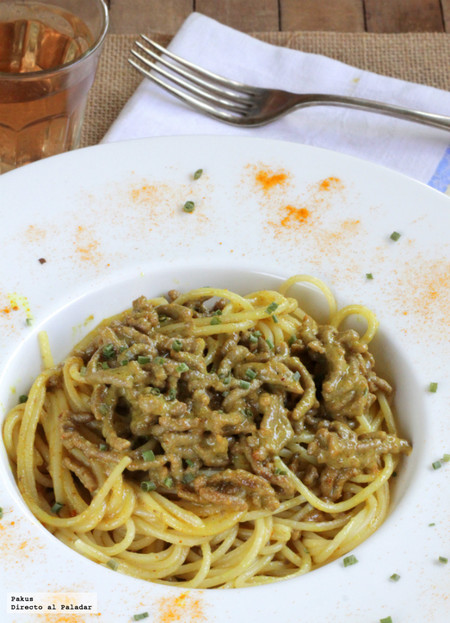 Receta de espaguetis con salsa cremosa de carne picada al curry
