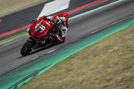 Ducati Panigale V4 2020 045
