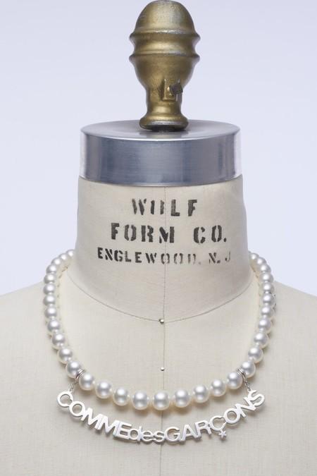 El mejor amigo del hombre son las perlas (según Comme des Garçons y su nueva colección de joyería)