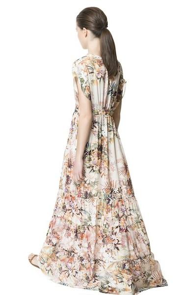 Claves de estilo para ir de shopping: apuesta por un maxi dress