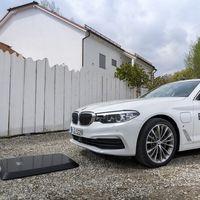 La carga inalámbrica para el BMW 530e iPerformance llegará al mercado este verano