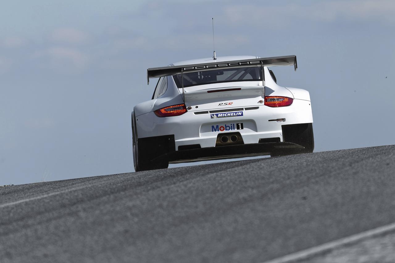 Foto de Porsche 911 GT3 RSR 2012 (7/18)