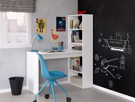 Mesa de escritorio con estantería económica