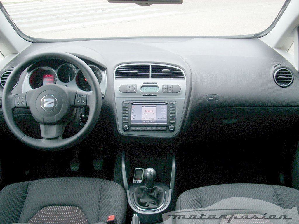 Foto de SEAT Altea XL contra Volkswagen Touran  (19/36)