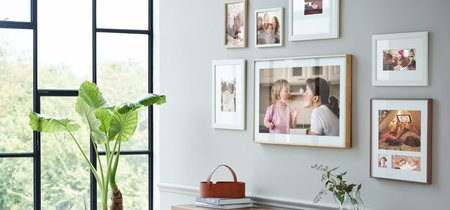 """Cuadro parece, televisor es: Samsung The Frame camufla la """"tele"""" en un marco"""