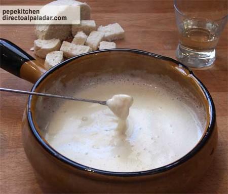 Receta de fondue de queso suiza