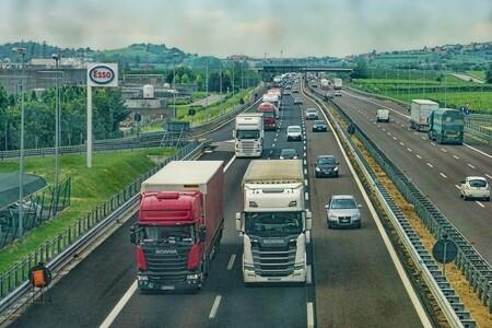 El caos en Reino Unido es tan grave, que el Ejército ya está moviendo camiones para paliar la falta de gasolina