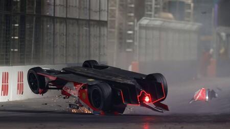 El estreno de la Fórmula E pudo ser un desastre: dos graves accidentes y misiles interceptados por el ejército saudí