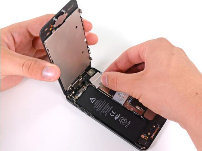 Apple comienza a aceptar iPhones 5 con pantallas de terceros en el programa de reemplazo