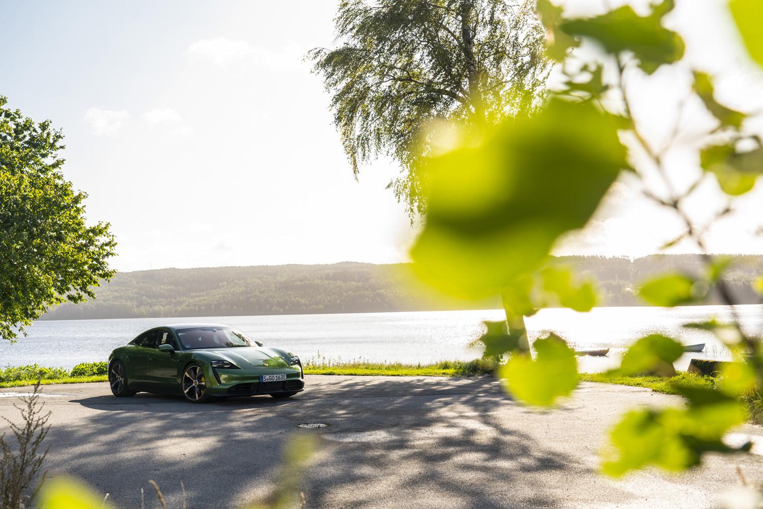 Foto de Porsche Taycan prueba contacto (266/275)