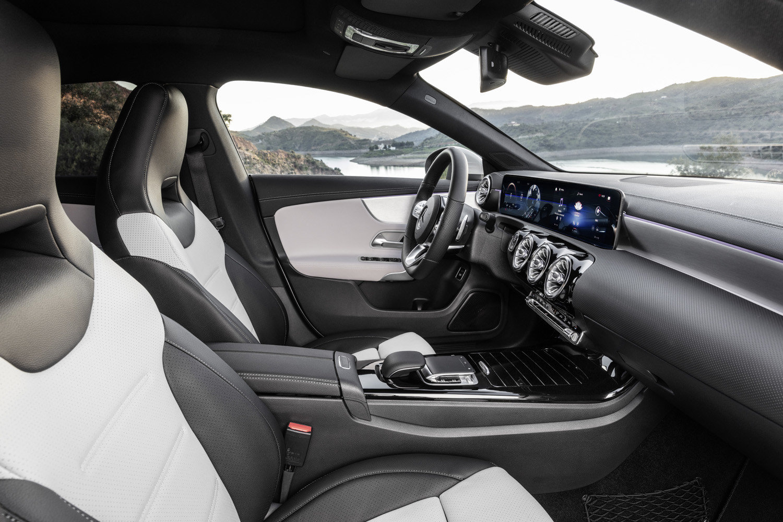 Foto de Mercedes-Benz CLA Shooting Brake 2019 (10/49)