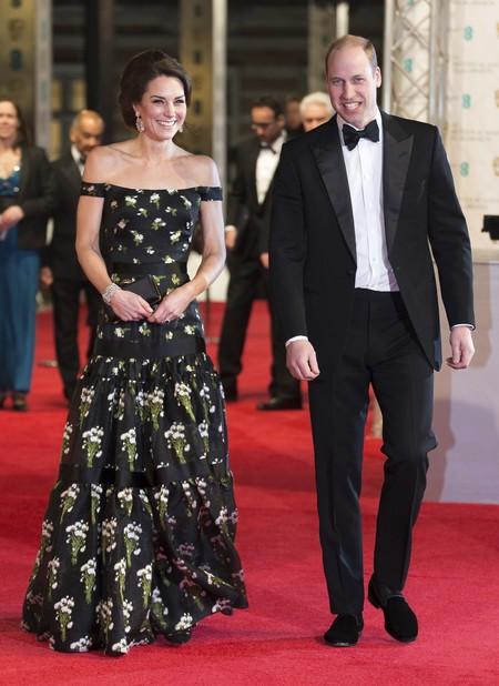 La muy real y brillante alfombra roja de los Premios Bafta 2017