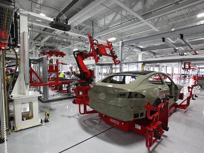 Tesla se prepara para fabricar medio millón de coches con la compra de Grohmann Engineering