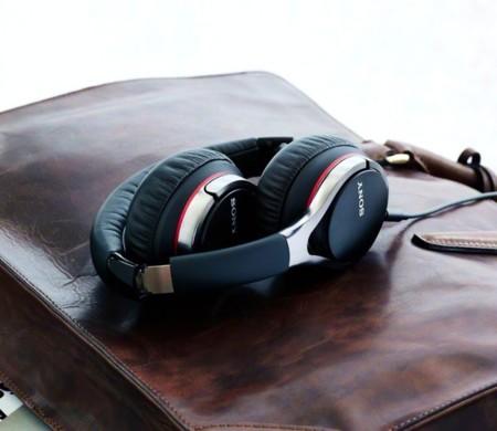 Marchando una de auriculares: Sony MDR-10BT