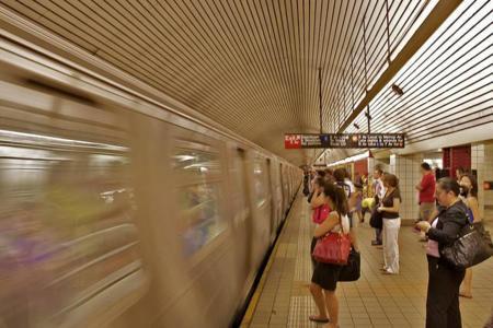 Para entrar gratis al metro de la Ciudad de México, haz 10 sentadillas