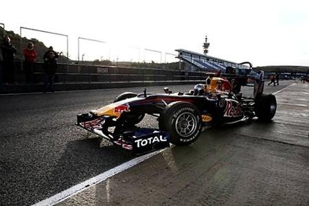 Sebastian Vettel y Lewis Hamilton al frente el primer día de los segundos tests en el Circuito de Jerez