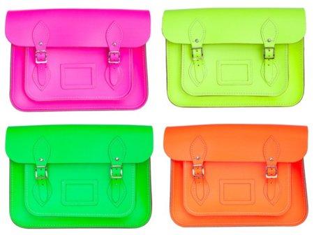 Los clásicos maletines de cuero en colores neón