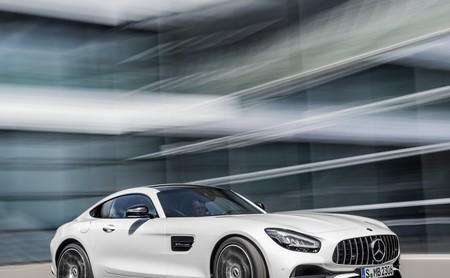 El Mercedes-AMG GT 2020 se muestra más deportivo que nunca, y con un R PRO bajo la manga