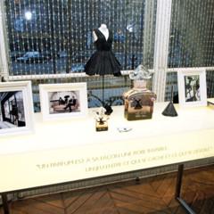 Foto 4 de 11 de la galería les-ateliers-guerlain-exponen-la-petite-robe-noire en Trendencias