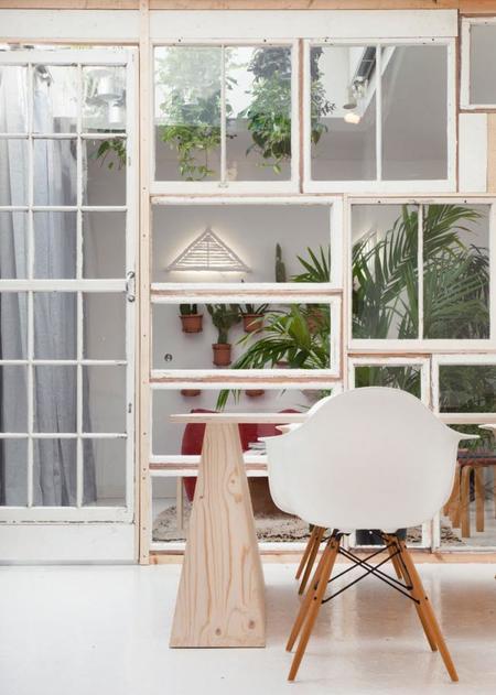Tres ideas de cómo hacer tus paredes con muebles reciclados