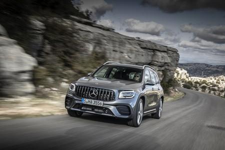 El Mercedes-AMG GLB 35 4MATIC ya tiene precio: desde 64.100 euros para el SUV compacto de 306 CV y siete plazas