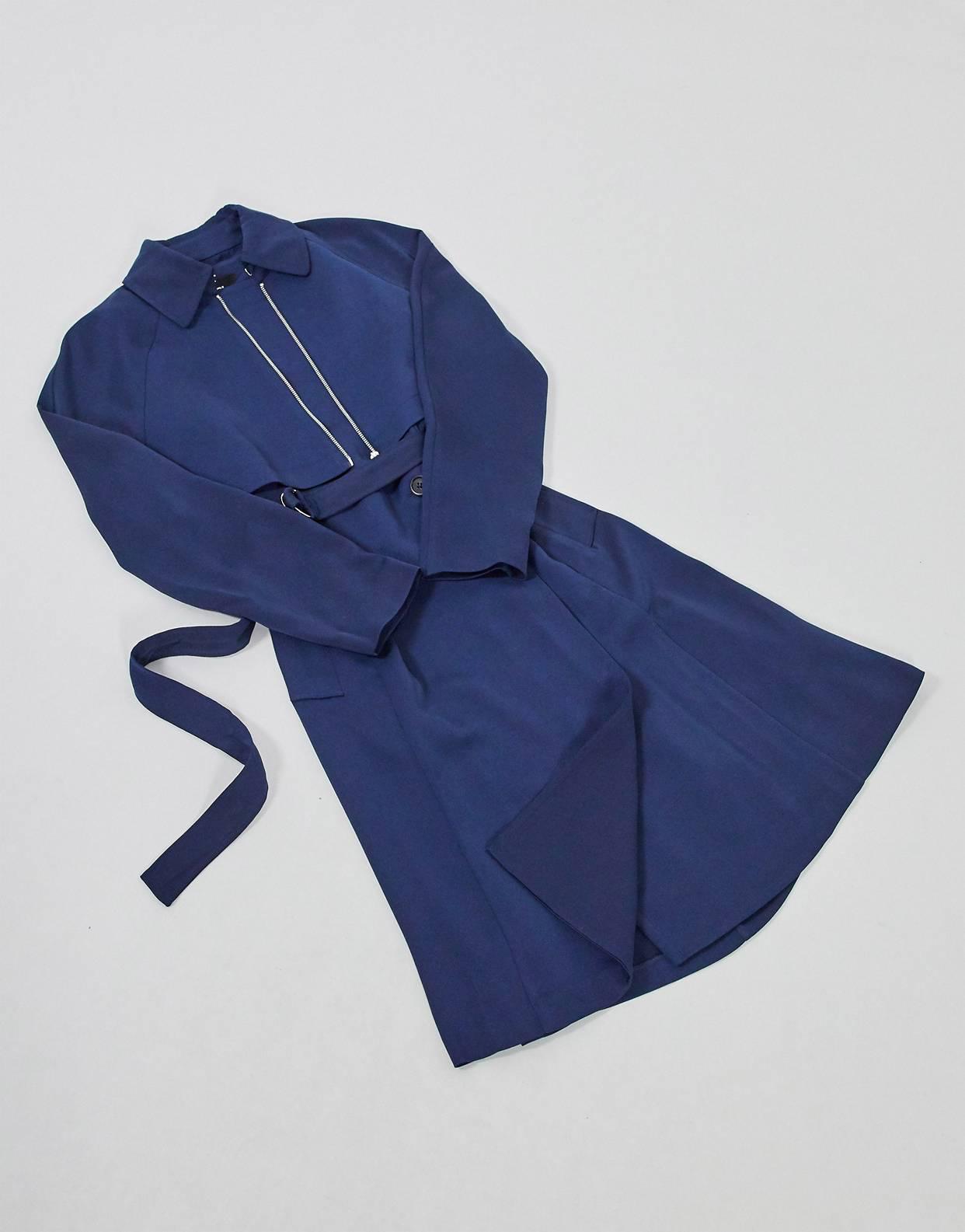 Gabardina azul Transformer de Karl Lagerfeld