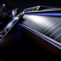 El nuevo Mercedes-Benz Clase S da mas detalles de su futurista interior: más digital que analógico y con iluminación ambiental interactiva
