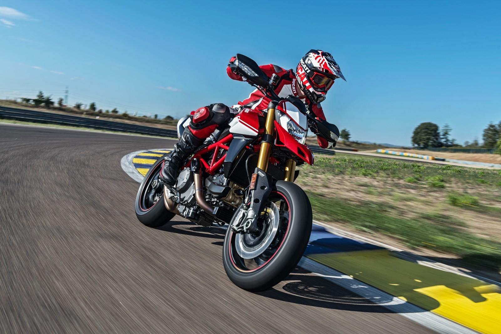 Foto de Ducati Hypermotard 950 2019 (10/76)