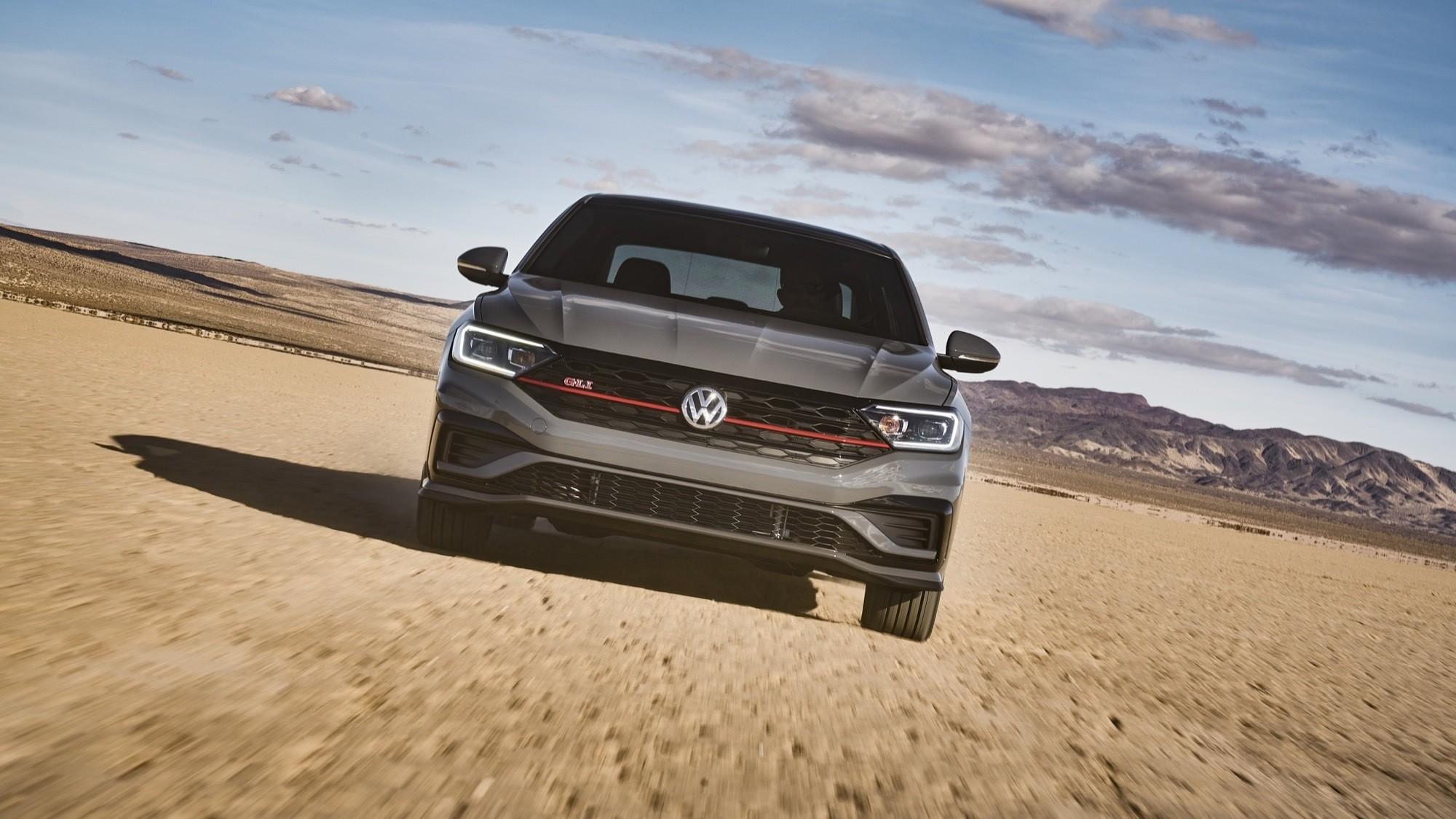 Foto de Volkswagen Jetta GLI 2020 (1/27)