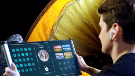 TCL muestra sus pantallas enrollables en el CES 2021: así es un panel de 6,7 pulgadas que se estira hasta las 7,8 pulgadas