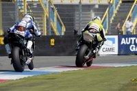 Superbikes Holanda 2010: Podio británico para la primera carrera