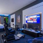 Alienware Room: todo un paraíso gamer hecho realidad dentro de una brutal habitación de hotel