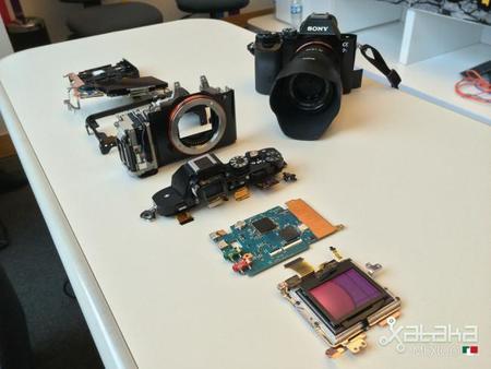 Ésta es la tecnología al interior de las cámaras a6000 y a7s de Sony
