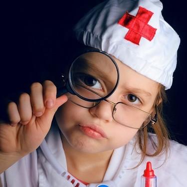 Los niños españoles quieren ser médicos, desean tener a Fernando Simón como jefe y votan por volver al colegio en septiembre