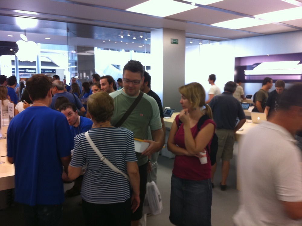 Foto de Inauguración Apple Store La Maquinista (91/93)