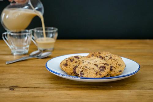 Así se hacen las galletas que revolucionan EEUU: shortbread de chocolate con escamas de sal (vídeo receta)